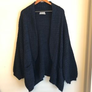 Urban Outfitters Jesse Oversized cardigan